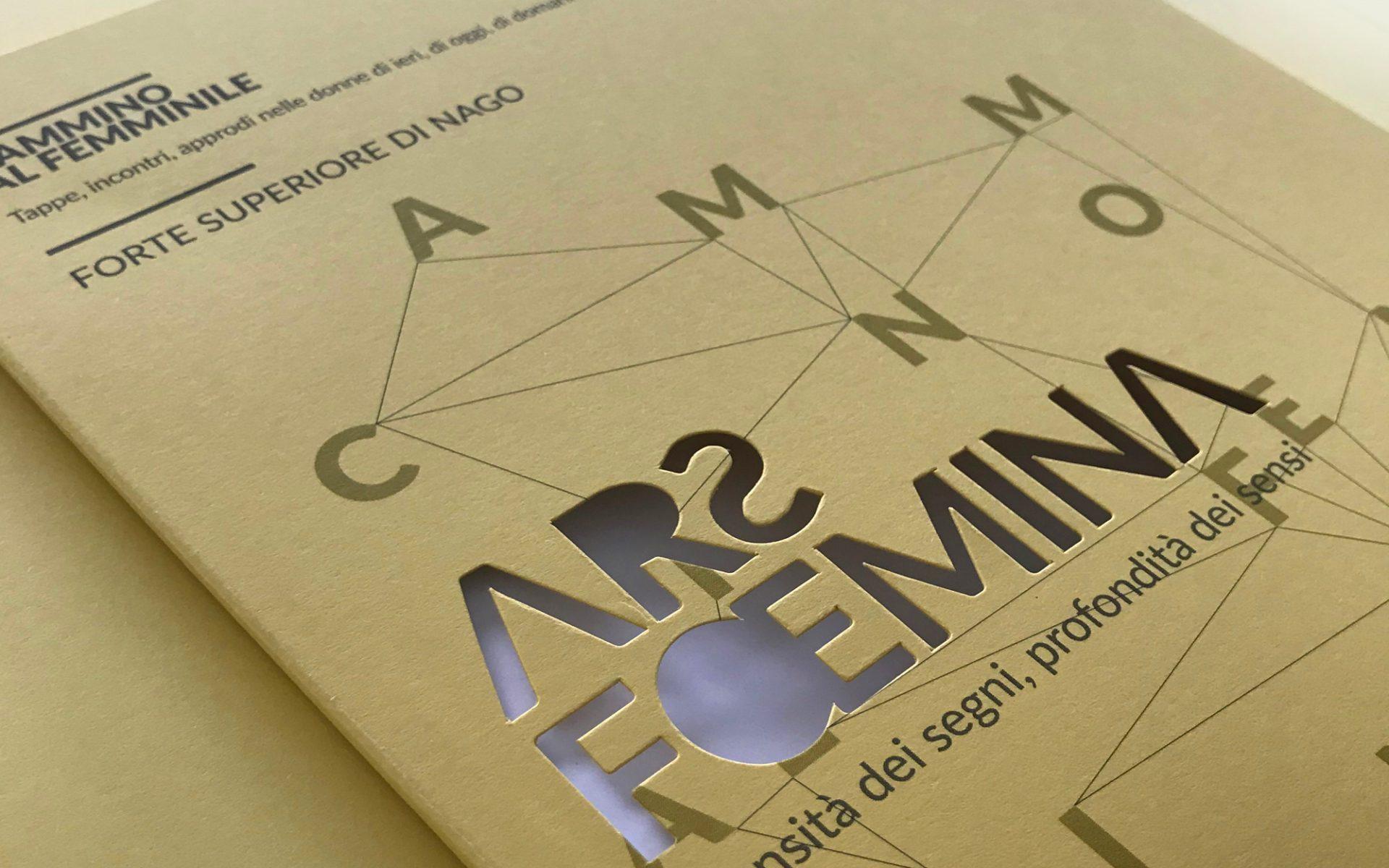 dettaglio del catalogo fustellato, progettato da Diadestudio per la mostra di arte al femminile Ars Foemina