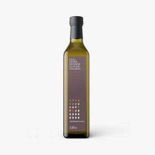 progetto etichetta per bottiglia olio, stampata, a caldo packaging ideato dallo studio grafico diade arco di trento, agenzia di comunicazione