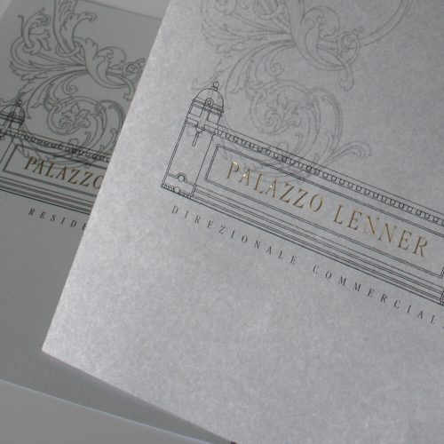 dettaglio della copertina argento per brochure elegante, progetto studio grafico diade trento