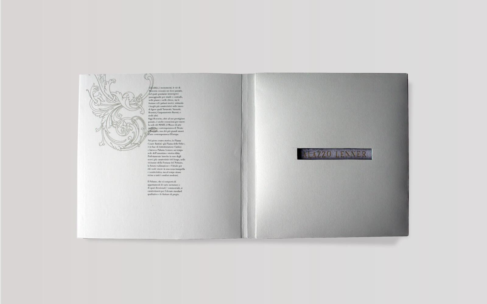 interno cofanetto fustellato contenente schede progetto grafico diade studio grafico