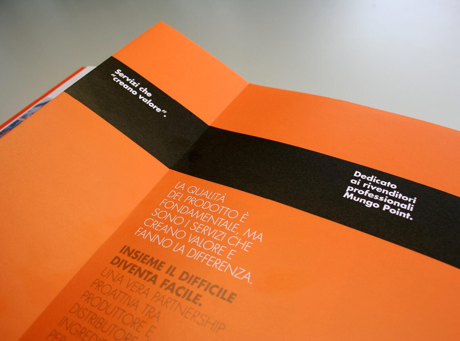 dettaglio pagine interne brochure aziendale mungo italia, progetto agenzia di comunicazione diadestudio arco trento