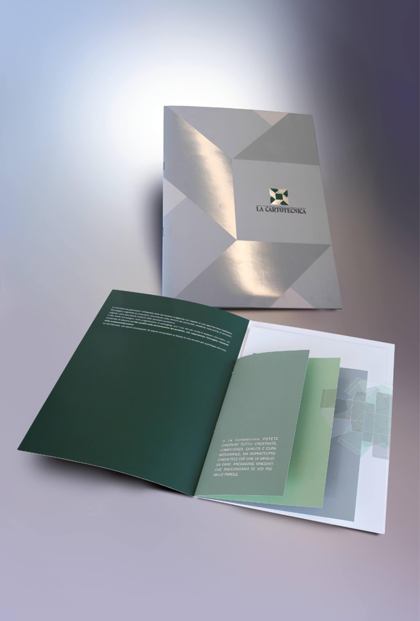 copertina e pagine interne creative stampate su cartoncini diversi, create per La Cartotecnica dalla agenzia Diadestudio di arco trento