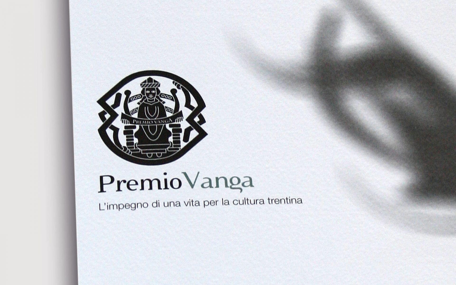 marchio in bianco e nero e dettaglio immagine coordinata creata per l'evento -premio vanga- con il coordinamento immagine diadestudio arco di trento
