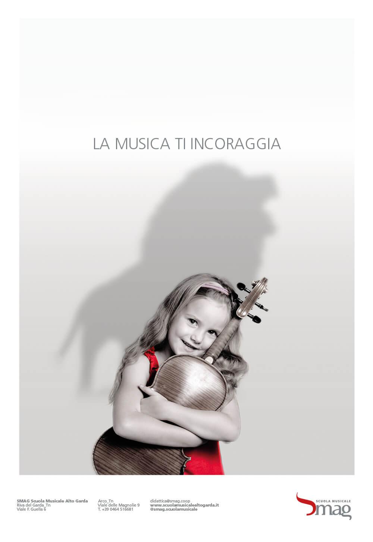 annuncio pubblicitario della campagna stampa per l'inaugurazione della scuola musicale alto garda, advertising creata dalla agenzia di pubblicità diade studio arco di trento