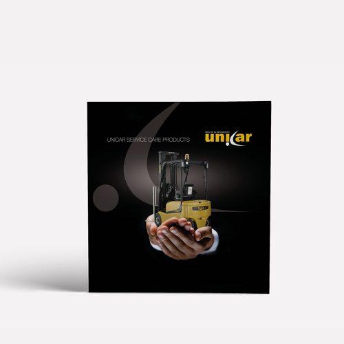copertina del catalogo servizi Unicar, che riprende l'adv ed i colori aziendali, progetto grafico diadestudio arco trento